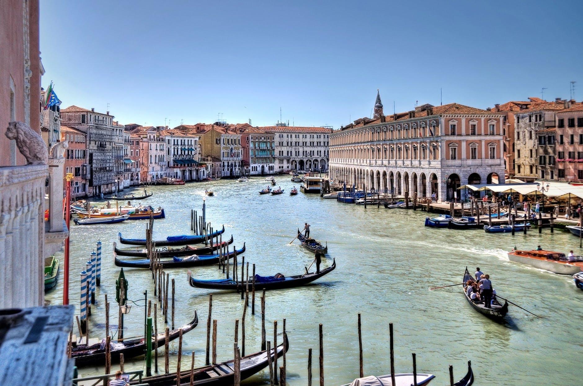 venice-grand-canal-water-boats-161850.jpeg